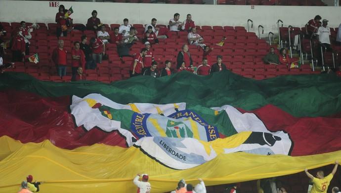 Internacional x Figueirense Inter Beira-Rio bandeirão (Foto: Ricardo Duarte/Internacional)