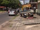 Lancha solta de reboque e atinge homem em calçada de Manaus