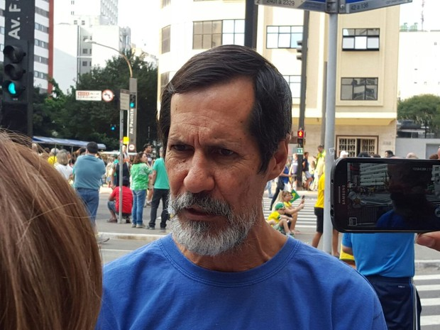 Eduardo Jorge participa de manifestação na Avenida Paulista (Foto: Glauco Araújo/G1)