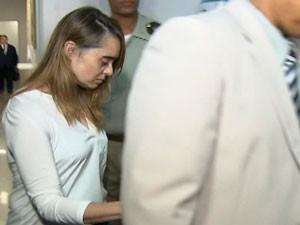 Kátia Vargas chega a audiência em Salvador (Foto: Reprodução/TV Bahia)