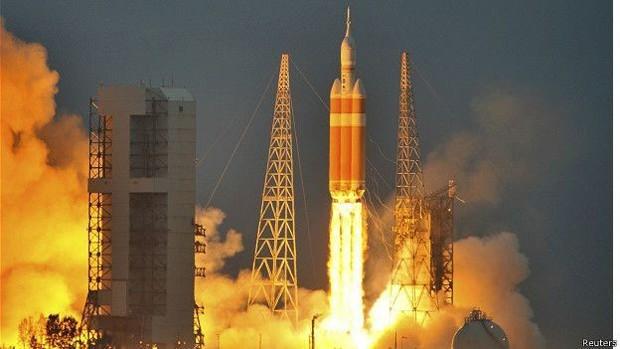 Em 2014 a nave Orion fez um voo não tripulado de cerca de quatro horas para testar sua tecnologia (Foto: Reuters/BBC)