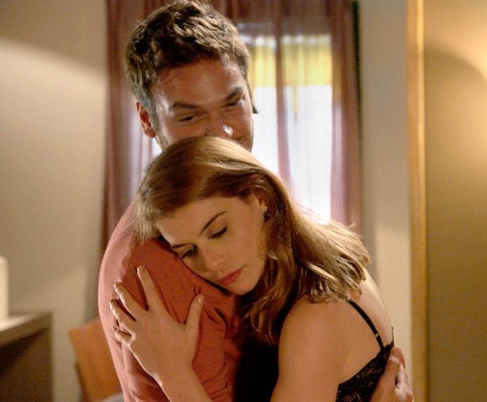 Será que Pedro vai desconfiar da traição da noiva? (Foto: TV Globo)