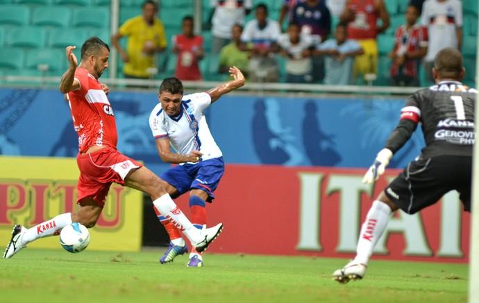 Bahia x CRB - lance de jogo (Foto: Futura Press)