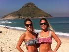 Bia e Branca Feres vão à praia com biquínis estilosos