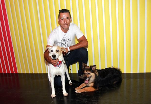 Cachorros que desfilaram na SPFW (Foto: Celso Tavares/EGO)