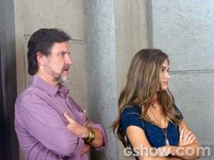 Lili diz para LC colocar a tropa do bem na máquina (Foto: Além do Horizonte/TV Globo)