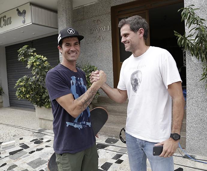 Bob Burnquist ao lado do diretor Léo Nogueira (Foto: Raphael Dias/Gshow)