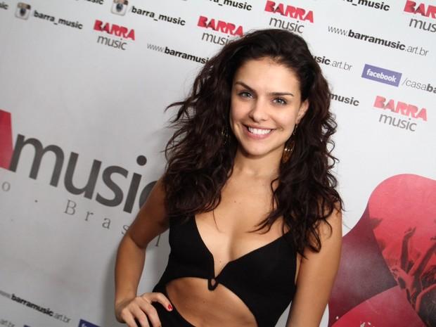 Paloma Bernardi em show na Zona Oeste do Rio (Foto: Anderson Borde/ Ag. News)