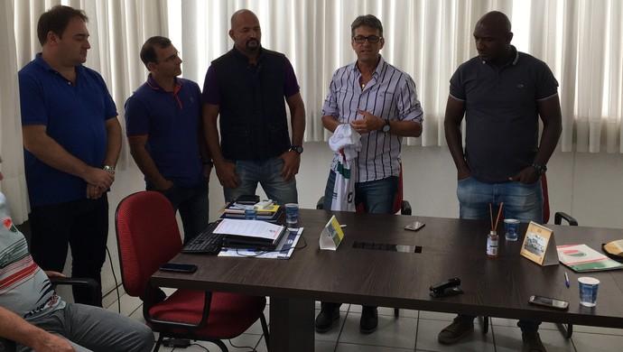 Leocir Dall'Astra é apresentado pelo Passo Fundo (Foto: Passo Fundo / DVG)