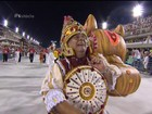 Estácio de Sá exalta São Jorge com bonecos gigantes na volta à elite
