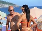 Veja mais fotos de Gracyane Barbosa em tarde de sol na praia da Barra
