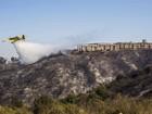 Focos de incêndio permanecem fora de controle em Valparaíso, no Chile