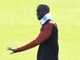 Agente de Yaya Touré procura jornal para pedir desculpas a Guardiola