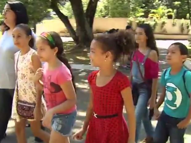 Crianças falam o que pensam sobre Goiânia para participar do concurso Jonalista Mirim Goiás (Foto: Reprodução/TV Anhanguera)