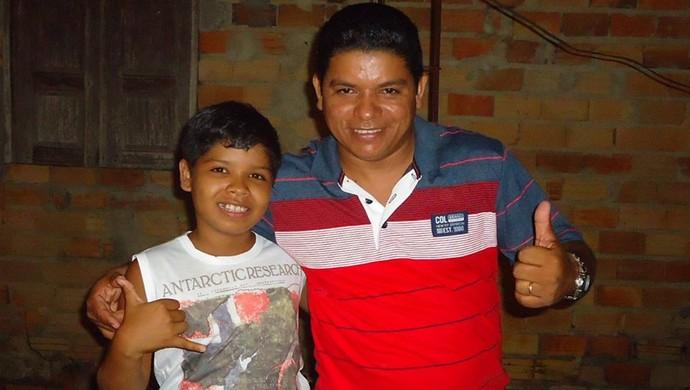 Ryckelme Sawyolla com o pai, João Queiroz (Foto: Arquivo Pessoal)