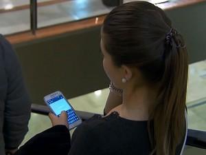Hora 1_celular (Foto: reprodução TV Globo)
