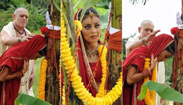 Em plena cerimônia, Maya pensa em Bahuan (Márcio Garcia) (Foto: CEDOC Globo)