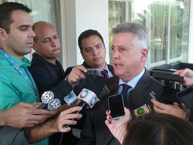 O governador do Distrito Federal, Rodrigo Rollemberg, foi o anfitrião de encontro com colegas de outros 10 estados que elaborou propostas para o Executivo federal (Foto: Fernanda Calgaro / G1)