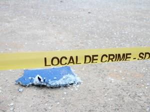 Bandidos explodiram caixas eletrônicos e danificaram a estrutura do banco (Foto: Aldo Carneiro/Pernambuco Press)
