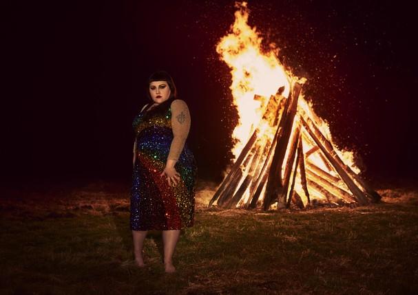 A cantora Beth Ditto lança o álbum Fake Sugar (Foto: Mary McCartney/Divulgação)