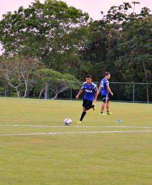 Atacante James Dean é a novidade do Sport para duelo contra o Flamengo (Foto: Elton de Castro/Globo Esporte.com)