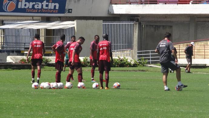 CRB treino Rei Pelé (Foto: Leonardo Freire/GloboEsporte.com)