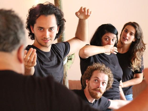 Ensaio da peça Como a Gente Gosta, uma adaptação de Shakespeare (Foto: Divulgação)