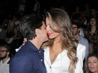 Thammy Miranda dá aliança de compromisso para Andressa Ferreira