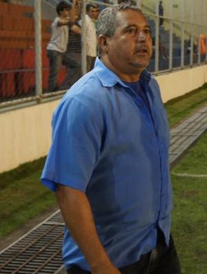 Aldo França, técnico do Cruzeiro de Itaporanga (Foto: Larissa Keren)
