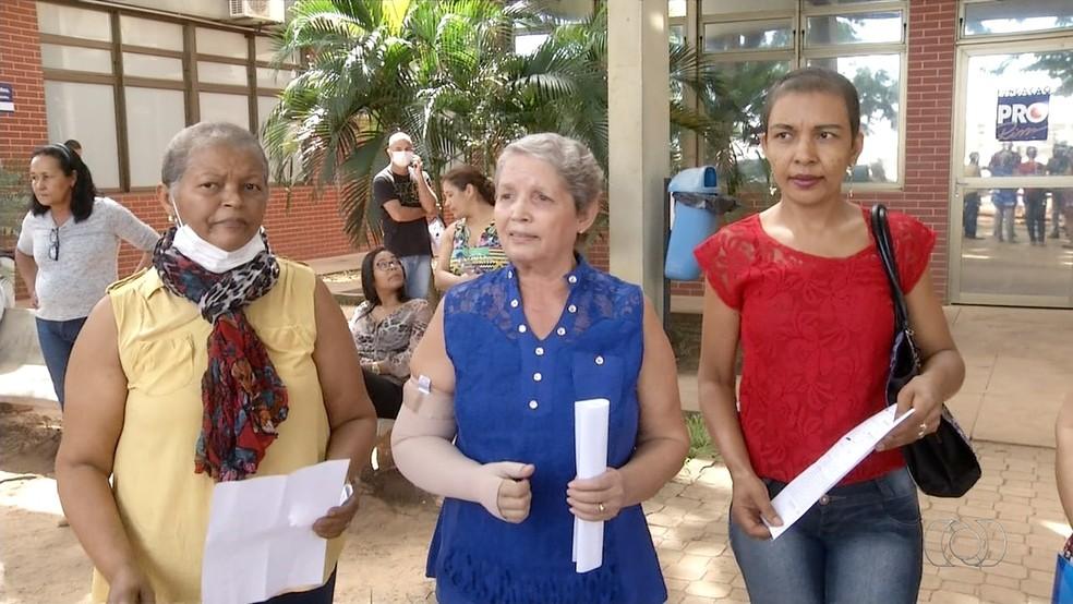 Pacientes com câncer reclamam de tratamento interrompido (Foto: Reprodução/TV Anhanguera)