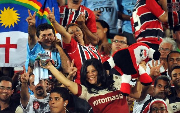 Santa Cruz torcida (Foto: Aldo Carneiro / Pernambuco Press)