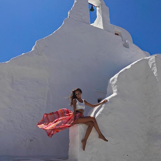 Izabel Goulart em Mykonos (Foto: Reprodução/Instagram)