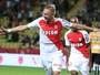 Monaco se recupera de goleada, vence de virada e volta à liderança