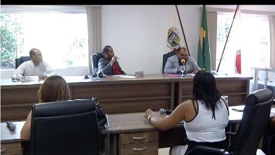Vereadores rejeitam veto que retornou redução salarial em Francisco Sá