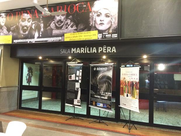 Cassia Kiss Magro chegando ao velório  (Foto: Roberto Teixeira/EGO)
