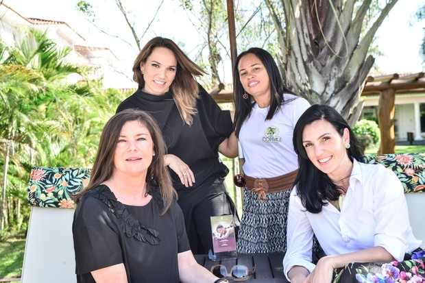 Marina Caruso, diretora de redação de Marie Claire, Dora, Jennifer Whitehorn e Debora Gentil, da The Body Shop (Foto: Márcia Tavares)