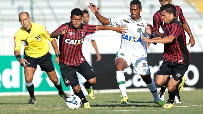 Ederson jogo Atlético-PR x Chapecoense (Foto: Getty Images)