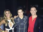 Decote de Jade Barbosa chama atenção em foto com Nory e Hypolito