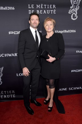 Hugh Jackman e Deborra-Lee Furness em evento em Nova York, nos Estados Unidos (Foto: Jamie McCarthy/ Getty Images/ AFP)