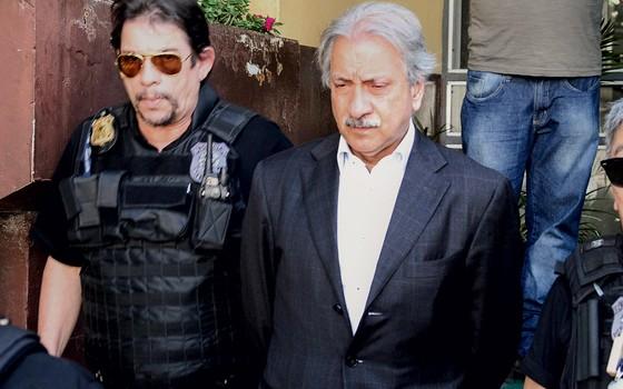 José Antunes Sobrinho preso pela polícia federal (Foto: Felix Leal/Futura Press)