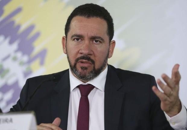 O ministro do Planejamento, Dyogo Oliveira, durante coletiva (Foto: Antonio Cruz/Agência Brasil)