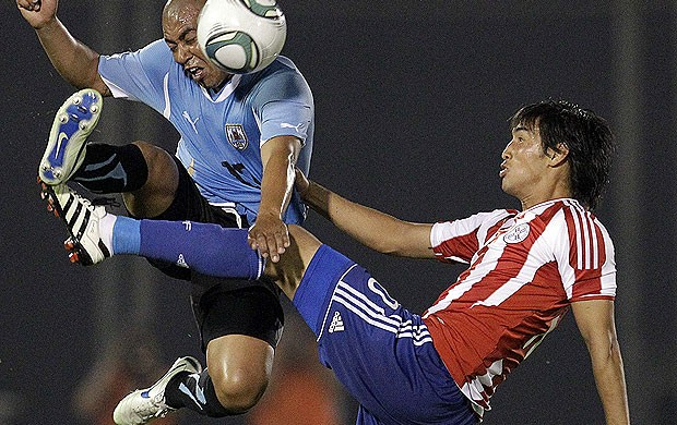 uruguai x  paraguai arevalo (Foto: Reuters)