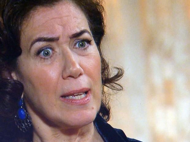 Marta fica surpresa com insolência de Maria Isis (Foto: TV Globo)