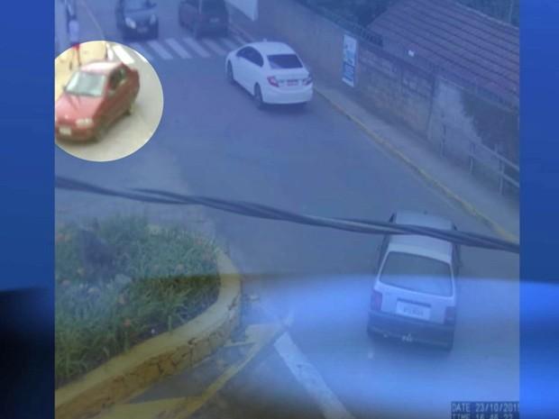 Imagem divulgada pela polícia mostra carro de Larissa sendo levado por sequestradores em Extrema (Foto: Reprodução EPTV)