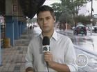 Chuva alaga ruas e derruba árvores em cidades do Vale do Paraíba