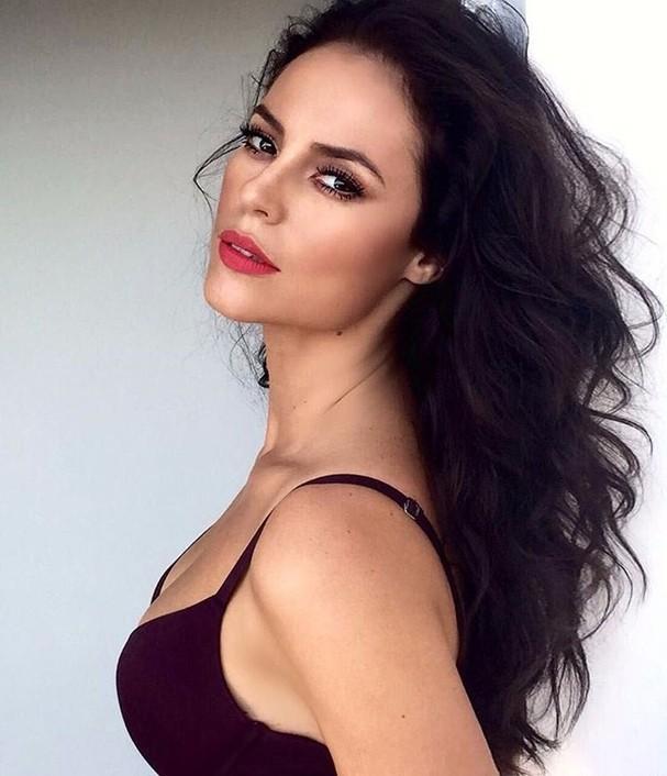 Paolla Oliveira de lingerie (Foto: Reprodução/Instagram)