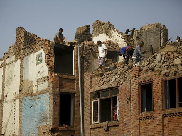 Nepal 1 mês do terremoto (Foto: Navesh Chitrakar/Reuters)