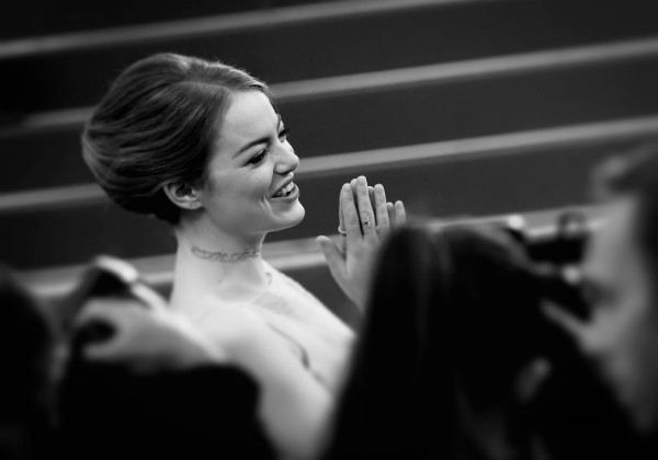 A atriz Emma Stone costuma ficar entre as mais bem vestidas dos tapetes vermelhos (Foto: Getty Images)