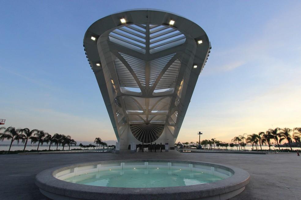 O Museu do Amanhã, no Rio de Janeiro, é visto durante amanhecer. (Foto: José Lucena/Futura Press/Estadão Conteúdo)