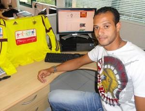 João Carlos, jogador do Anzhi. (Foto: Roberto Teixeira)
